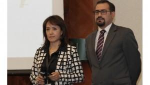 Silvia Quezada, líder de comercialización y marketing de Dinero Electrónico, Banco Central del Ecuador y orge Moncayo, del Área de Inclusión Financiera y Catedrático Universitario